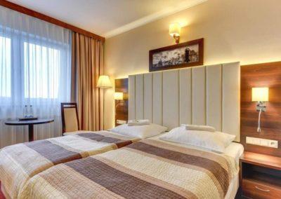 podwójne łóżko w hotelu Amber Gdańsk