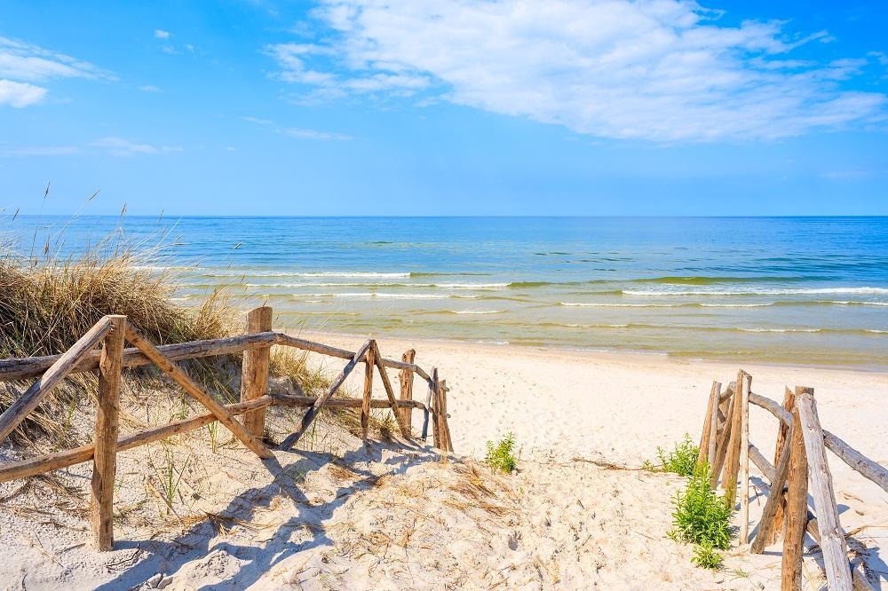 Polskie morze kontra zagranica: dlaczego warto wypoczywać w kraju?