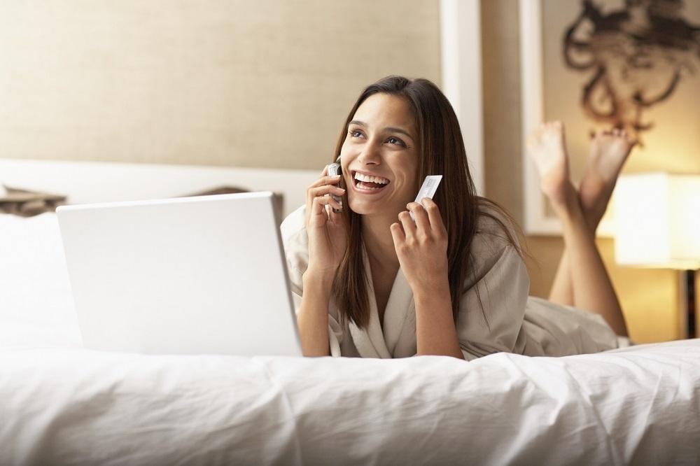 W jaki sposób można zarezerwować pokój w hotelu?
